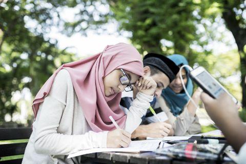 留学生斡旋がベースの募集システム